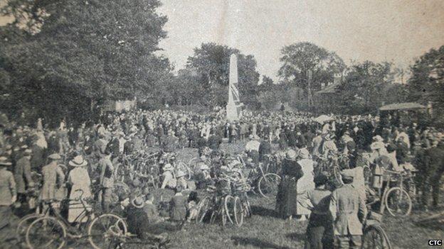 Memorial unveiled in Meriden in 1921