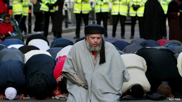 Abu Hamza outside Finsbury Park mosque