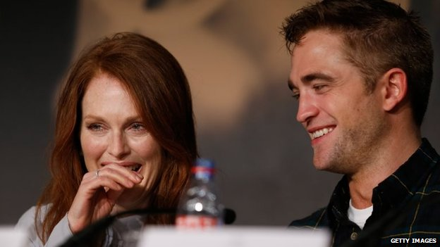 Julianne Moore and Robert Pattinson