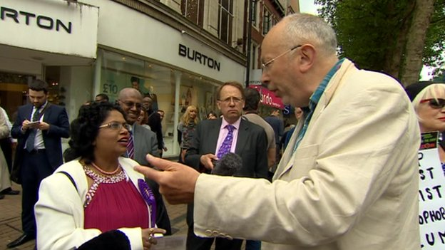 UKIP supporters and opponents argued in the street