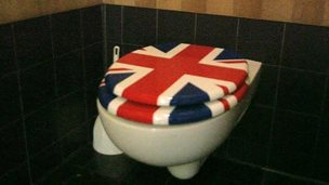 Union Jack toilet