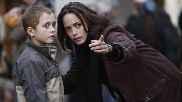 Berenice Bejo (l) with Abdul-Khalim Mamatsuiev in The Search