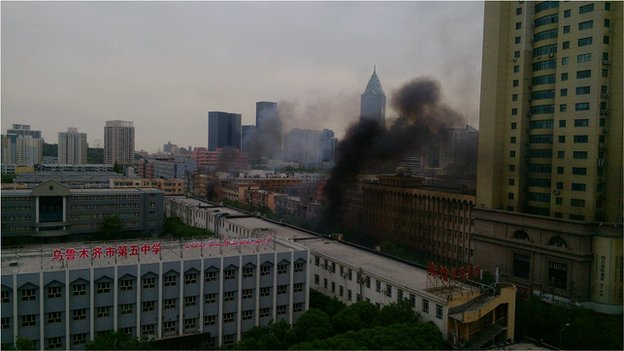 "Smoke in Urumqi (photo from Weibo user ""Manga""), 22 May"