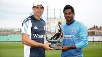 England cricket captain Alastair Cook and Sri Lanka one-day squad cricket captain Angelo Mathews pose for picture
