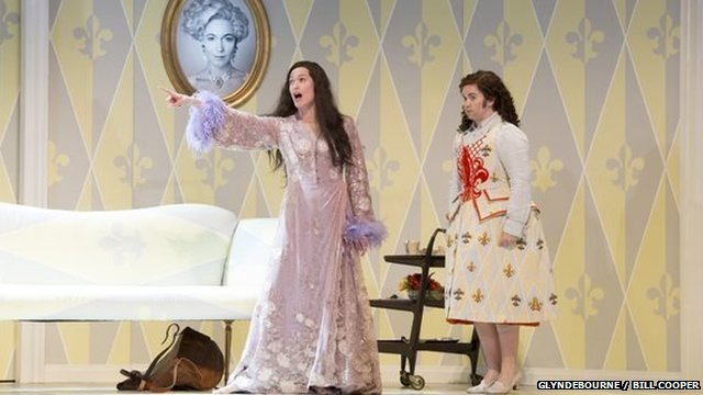 Tara Erraught and Kate Royal in Der Rosenkavalier