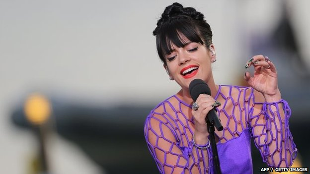 Lily Allen performing in France