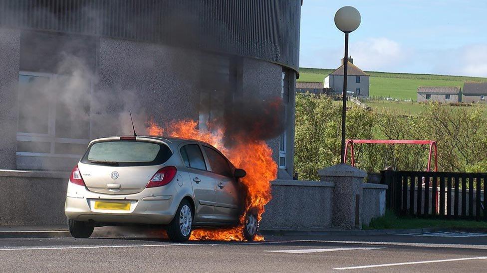 Car on fire in Orkeny