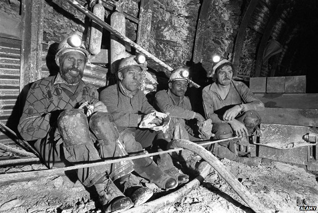Coal miners eating their lunch underground at Granville Colliery, Telford, Shropshire 1974