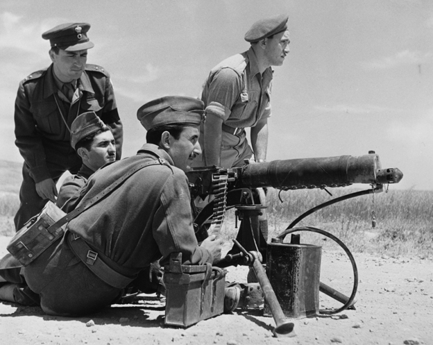 British NCOs train Greek machine gunners, 1947