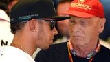 Lewis Hamilton (left) and Niki Lauda