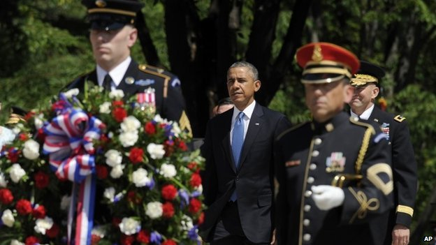 Mr Obama at Arlington Cemetery