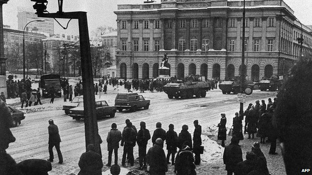 Armoured vehicles outside the University of Warsaw in December 1981