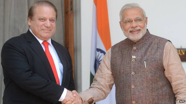 """The Sharif-Modi meeting, a """"clear signal"""" that the two countries are willing to resume dialogue"""