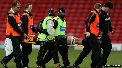 Alistair Hargreaves of Saracens leaves the pitch concussed a second time during the Aviva Premiership match between Saracens and London Wasps