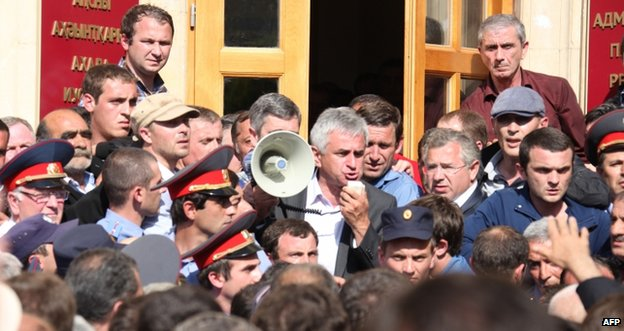 Raul Khadzhimba addresses protesters in front of the presidential office in Sukhumi, Abkhazia, 27 May