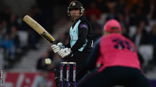 Azhar Mahmood batting for Surrey