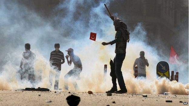 Protests against demolition of Gezi Park