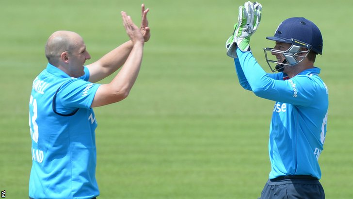 James Tredwell  and Jos Buttler