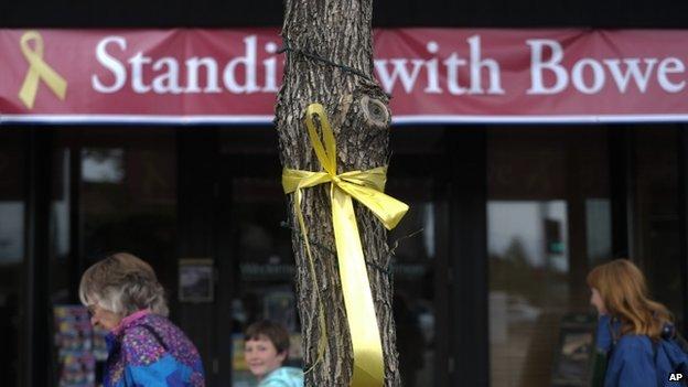 Yellow ribbon tied to a tree in Hailey, Idaho, honouring Sgt Bowe Bergdahl