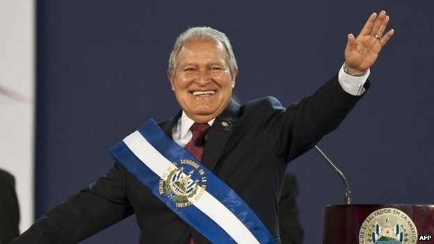 Salvadorean new President Salvador Sanchez Ceren waves during his inauguration ceremony in San Salvador,  June 1, 2014.