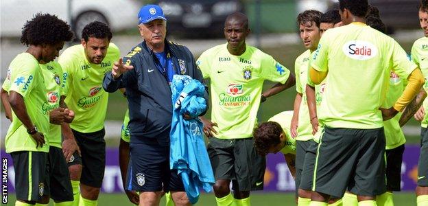 Scolari and team
