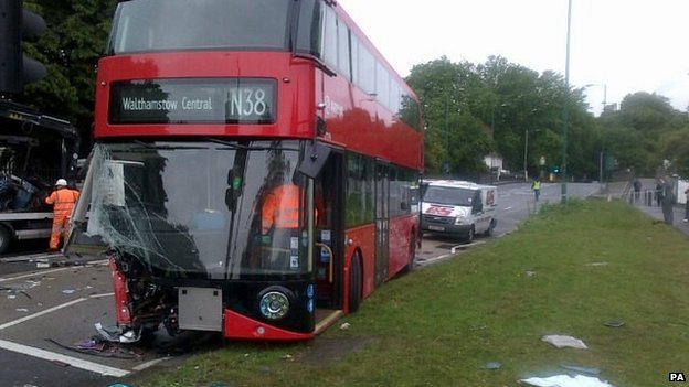 N38 bus after the crash on Lea Bridge Road