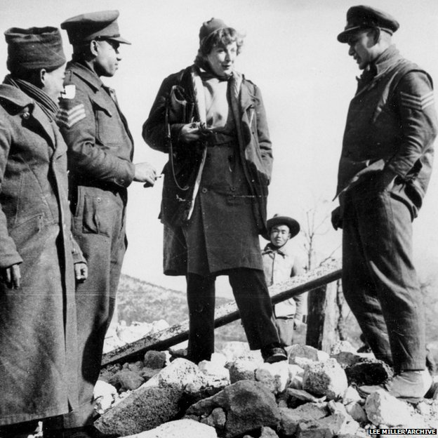 Martha Gellhorn speaking to soldiers in Italy during World War Two