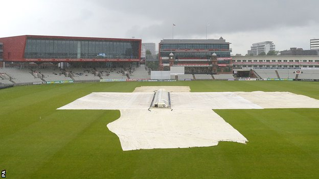 Play was washed out at Old Trafford