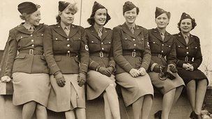 Women correspondents accredited with the US army: Mary Welsh, Dixie Tighe, Kathleen Harriman, Helen Kirkpatrick, Lee Miller, and Tania Long