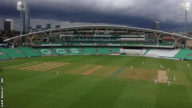 Surrey v Worcestershire on the final day at The Oval