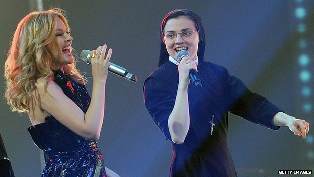 Kylie Minogue and Sister Cristina perform on The Voice Of Italy on 7 May 2014