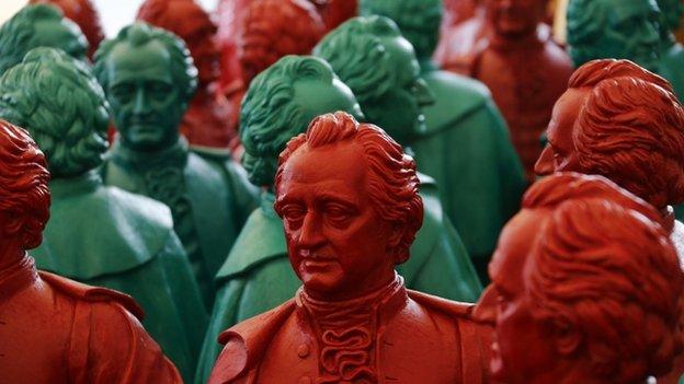 Plastic statues of Goethe