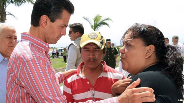 President Pena Nieto with the parents of murdered Hector Alejandro Mendez, 12