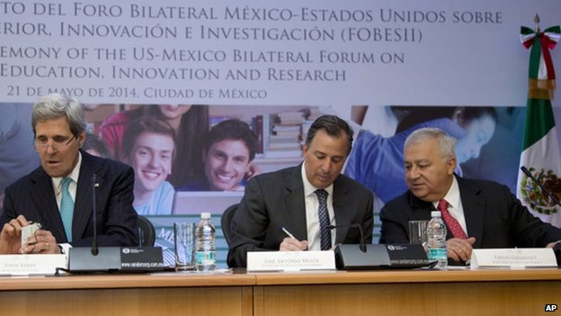 L to R: John Kerry, Mexican Foreign Secretary Jose Antonio Meade and Mr Chuayffet