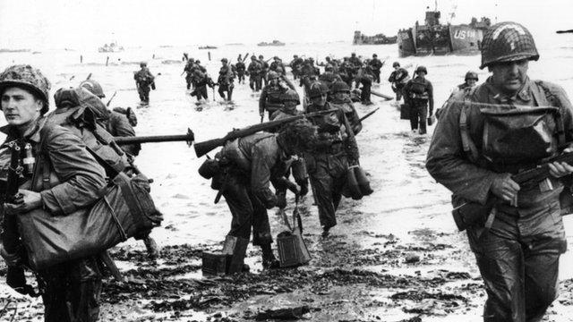 Allied troops landing
