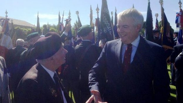 Carwyn Jones with veteran