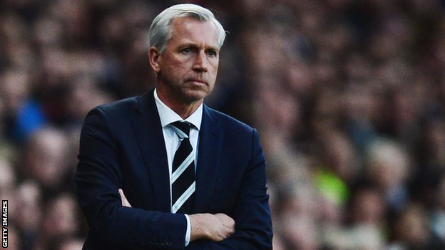 Newcastle manager Alan Pardew makes his first summer signing in Ayoze Perez