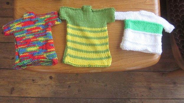 """Odd"" knitted jerseys"