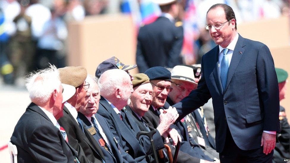 Francois Hollande meets D-Day veterans