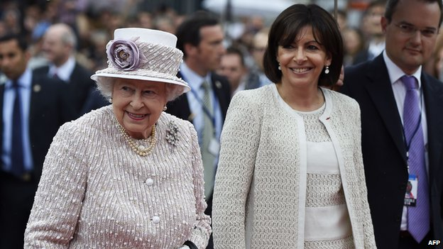 The Queen with Paris mayor Anne Hidalgo