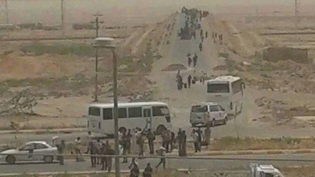 Security forces, Anbar University, 7 June