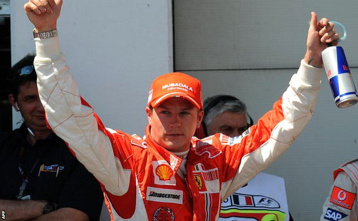 Kimi Raikkonen celebrates pole at the 2008 French Grand Prix