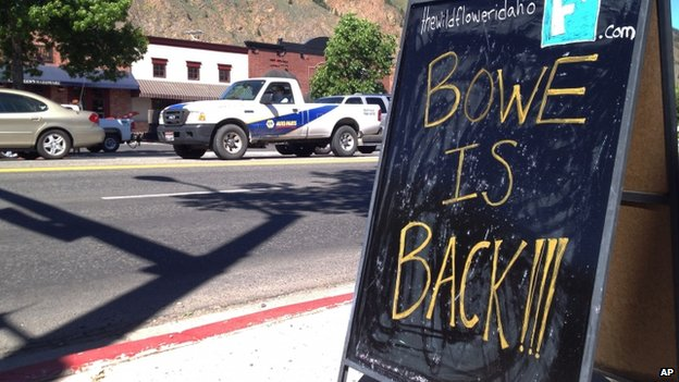 A sign celebrating the release of Sgt Bergdahl on a street in the soldier's hometown of Hailey, Idaho (4 June 2014)