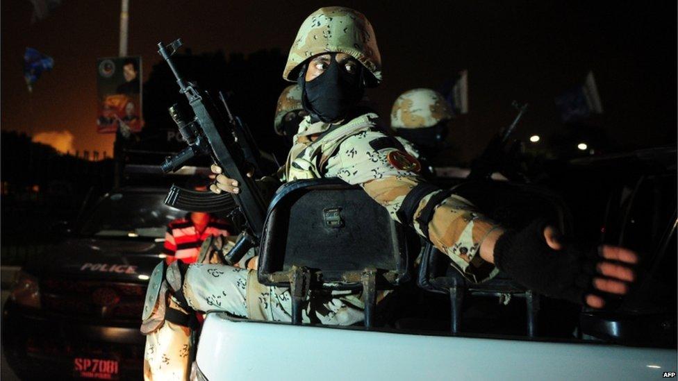 Pakistani troops at Karachi airport