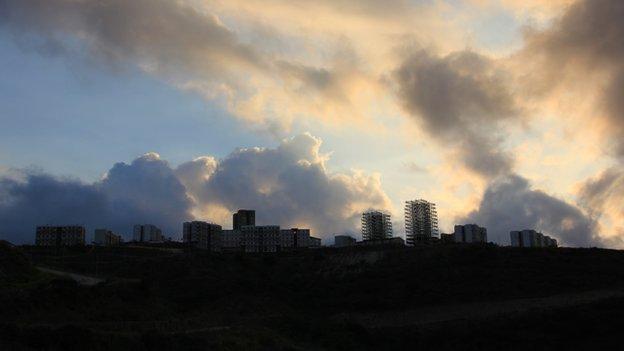 Ciudad Caribia at dusk