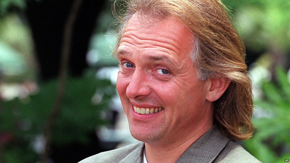 In pictures: Rik Mayall - BBC News