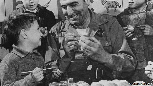 WWII USAAF chef with British children