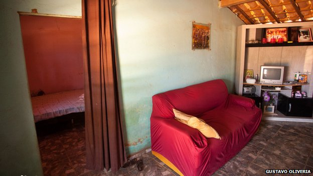 Living room of Dani Alves's childhood home