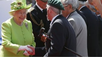 The Queen meeting veterans.
