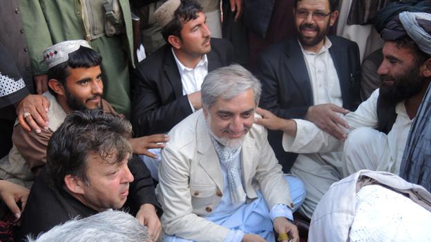 Abdullah Abdullah (centre) in Kandahar